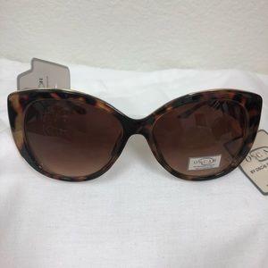 OSCAR BY OSCAR DE LA RENTA Cat Sunglasses  NWT